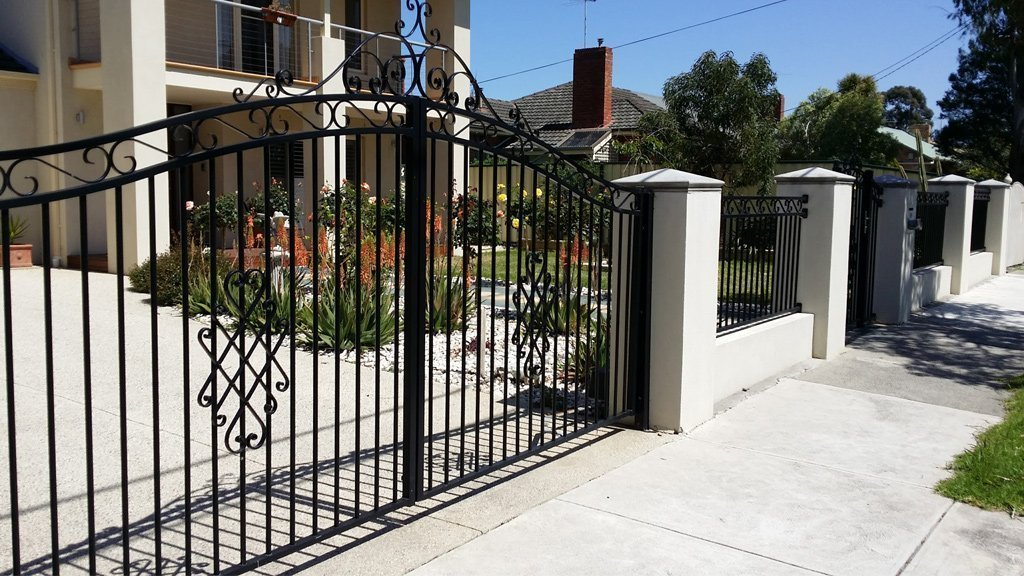 Manual & Automatic Gates