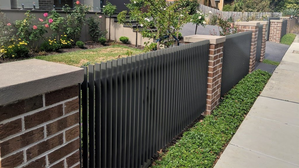 Tubular Steel Fences or Aluminium Fencing