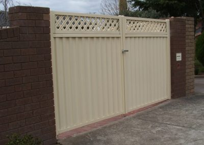 Colorbond Fencing Melbourne | Lockfast Fencing
